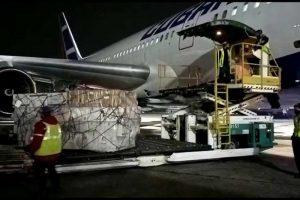 Cubana de Aviación abre vuelos Cuba-Argentina con más de dos toneladas de jeringuillas y agujas de donación